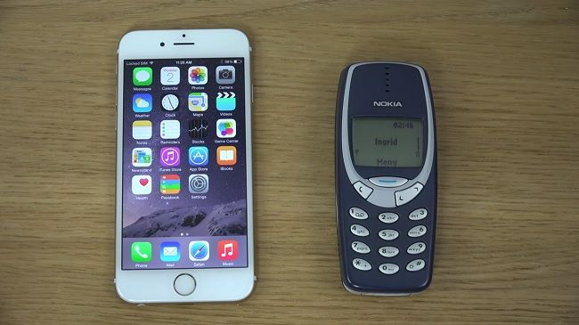 Nokia 3310 Vs Iphone 6