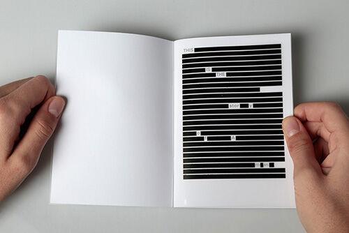 Seniman Ini Membuat Pamflet Untuk Menyindir Pengguna Internet Dan Aplikasi 3