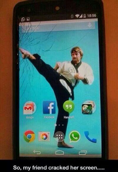 layar smartphone retak