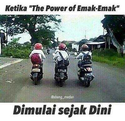 Meme Ibu Ibu Naik Motor 14