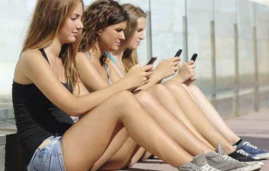 Dampak Buruk Smartphone Bagi Remaja
