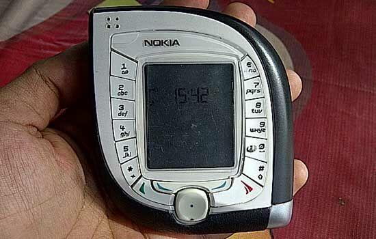 handphone-dengan-desain-unik-16