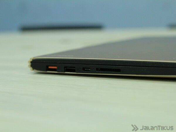 046 Review Lenovo Yoga 900