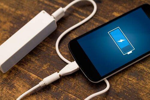 bahaya-ngecas-pake-charger-palsu (4)