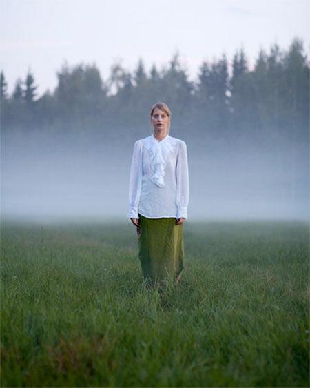 10 Foto Keren Penggabungan Manusia Dengan Alam Karya Wilma Hurskainen