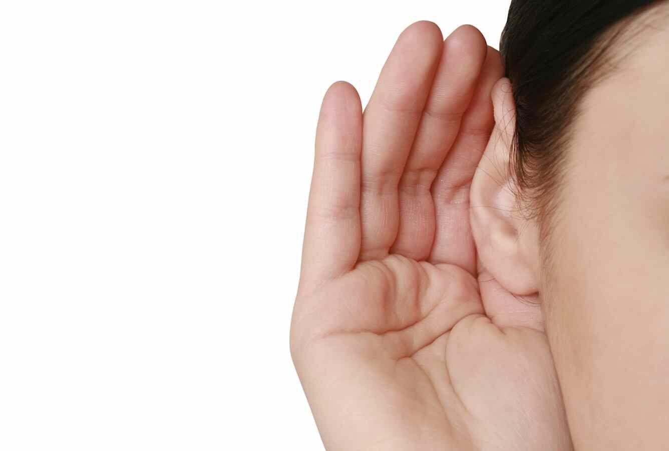 Mendengarkan Dunia