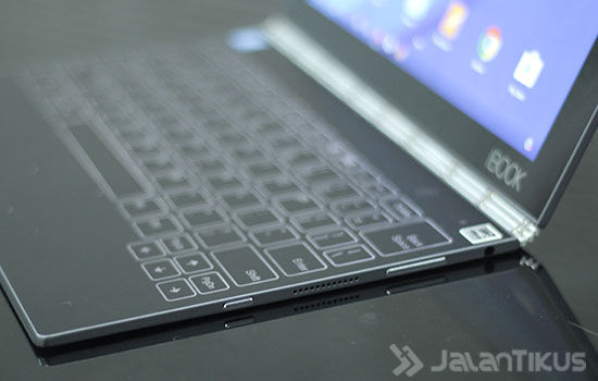 Review Lenovo Yoga Book Android 12