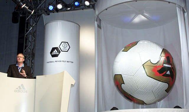 Evolusi Bola Resmi Piala Dunia 3