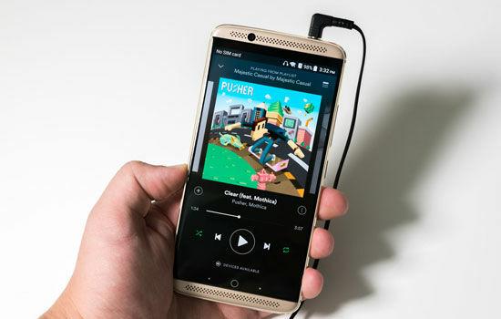 Smartphone Dengan Nama Jelek 4