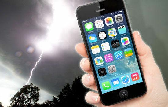 pake-smartphone-saat-badai-2