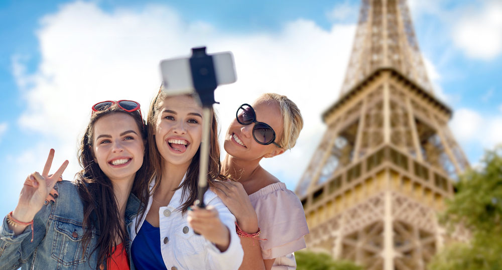 Maraknya Smartphone Kamera Selfie