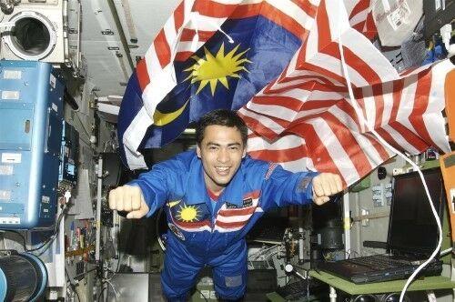 Pengakuan Astronot Muslim Tentang Bumi Bulat Dan Datar 1