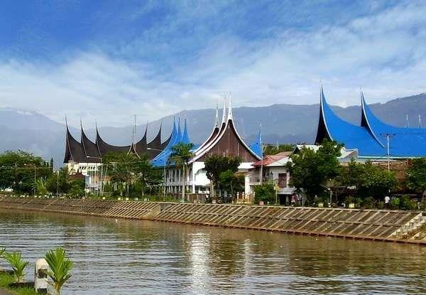 Tips Liburan Murah Di Padang Airy Rooms