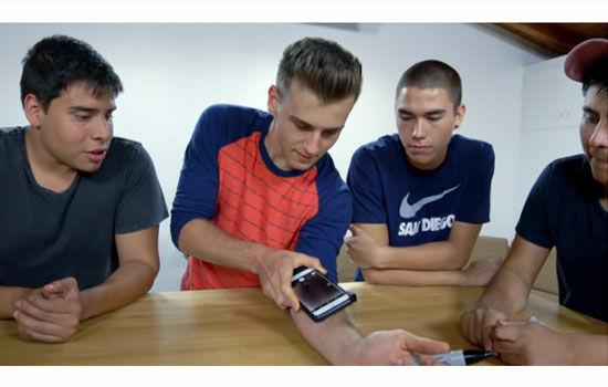 Cara Mencoba Sensasi Disuntik Dengan Smartphone 3