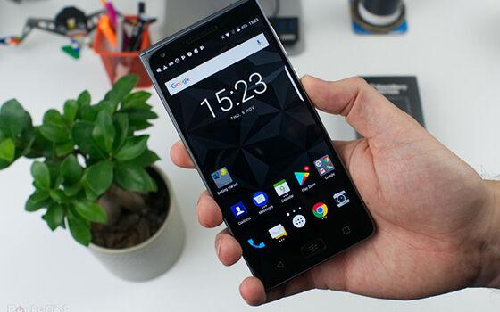 Blackberry Motion Smartphone Terbaik Ces 2018