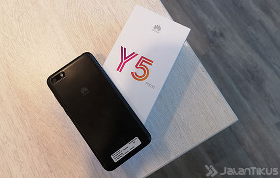 Unboxing Huawei Y5 Prime 2018 4 F764e