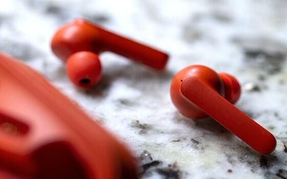 Wireless Earbuds B 91320