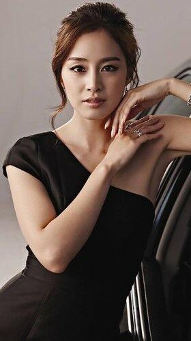 Foto Aktris Korea Cantik Kim Tae Hee 01 23f84