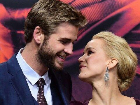 Jennifer Lawrence Liam Hemsworth Main 12c73