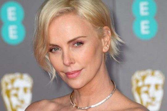 1 Charlize Theron D761b