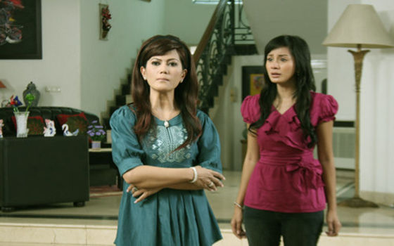 Adegan Yang Wajib Ada Di Sinetron Indonesia Ibu Tiri Jahat 01045