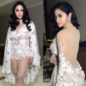 Dewi Perssik Busana Kontroversial Aktor Indonesia 0bcf7