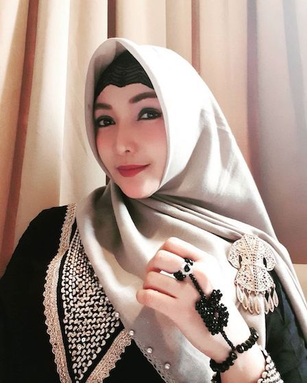 Artis Hijrah Wanita 1b953