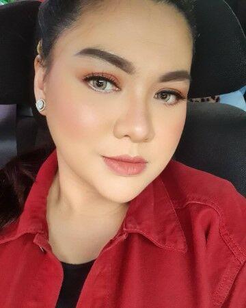 Vicky Shu 4b940