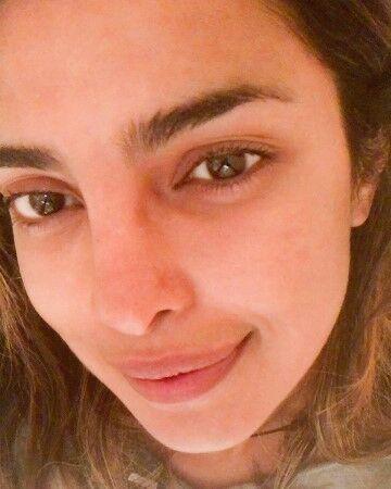 Priyanka Chopra D75b5