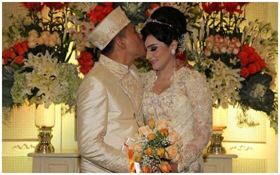 Pernikahan Artis Indonesia Yang Disiarkan Di TV Anang Dan Ashanty E75cf