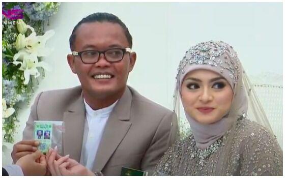 Pernikahan Artis Indonesia Yang Disiarkan Di TV Sule Dan Nathalie Holscher 3cb8f