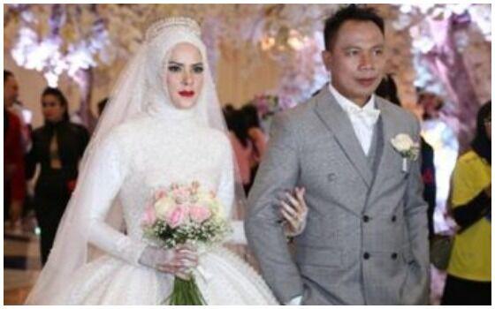 Pernikahan Artis Indonesia Yang Disiarkan Di TV Vicky Dan Angel 8a7d4