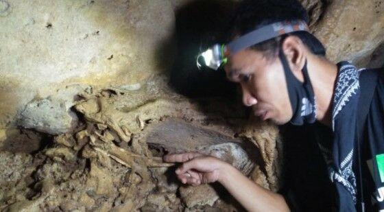 Penemuan Fosil Manusia Purba Di Indonesia Terdapat Pada Lapisan 4c6e9