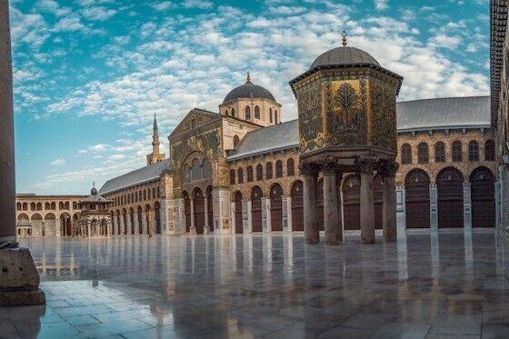 Masjid Dan Gereja Berdampingan 2f90a