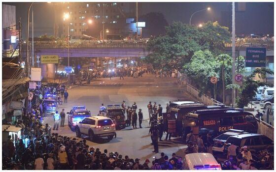 Teror Bom Di Indonesia Yang Paling Mengguncangkan Kampung Melayu E8932