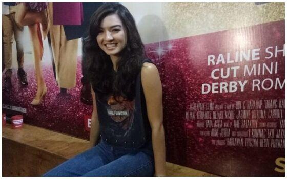 Artis Indonesia Yang Suka Naik Angkutan Umum Raline Shah 03721
