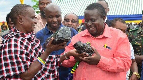 Tanzanit Terbesar Ditemukan 14c5b