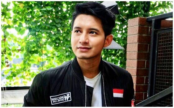 Artis Indonesia Yang Pernah Jadi Buruh Chand Kelvin 3dd49