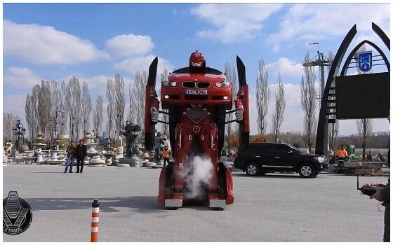 Penampakan Robot Transformers Di Dunia Nyata Foto Di Jalanan Bff32