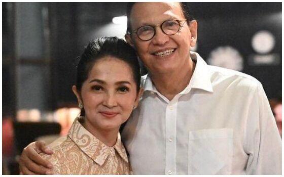 Artis Indonesia Yang Setia Dengan Pasangannya Roy Marten Dan Anna Maria 36ebd