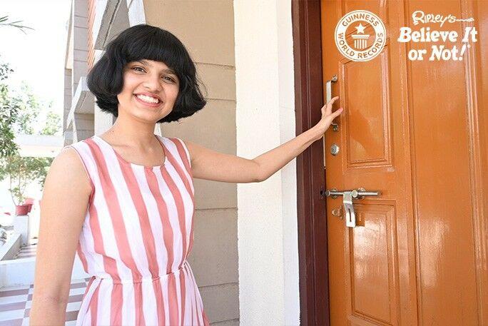 Nilanshi Patel Bahagia Dengan Rambut Barunya 16966
