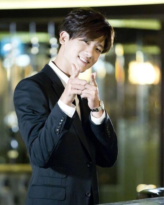 Park Hyungsik ZE A Dd419