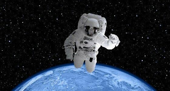 Astronaut Di Luar Angkasa D2c15