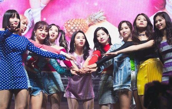 Grup Idol K Pop Terkaya 2020 E1e7c