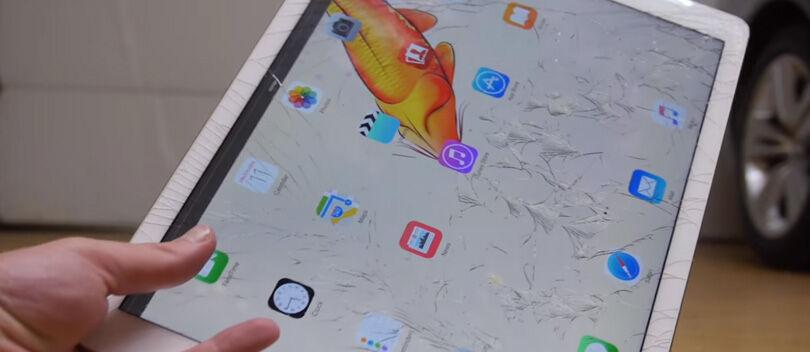 VIDEO: Ringkih, Layar iPad Pro Langsung Retak Setelah Dijatuhkan
