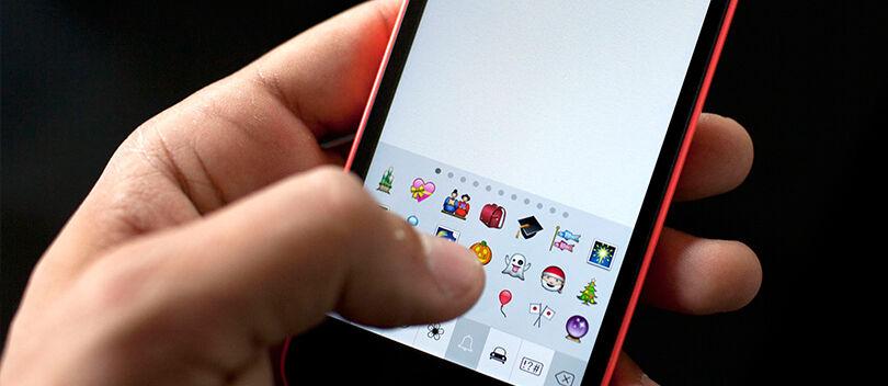 Cara Menginstal Emoji iPhone di Smartphone Android