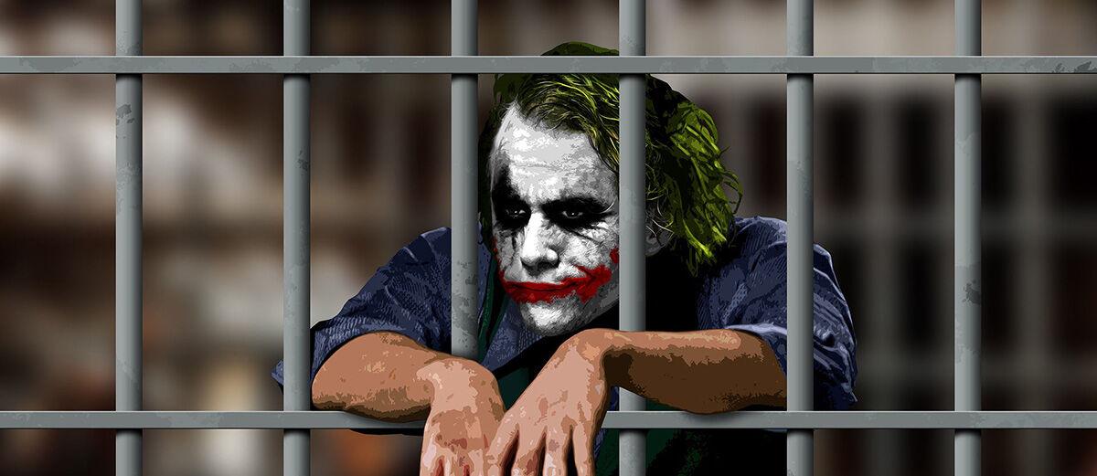 7 Aktivitas Online yang Dapat Membuat Kamu Masuk Penjara