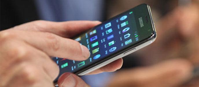 Waspada, Kebiasaan Buruk Menggunakan Smartphone Bisa Berbahaya!