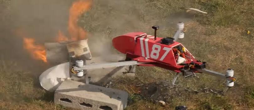 Setelah Ambulans, Kini Hadir Drone Pemadam Kebakaran yang Keren Abis!