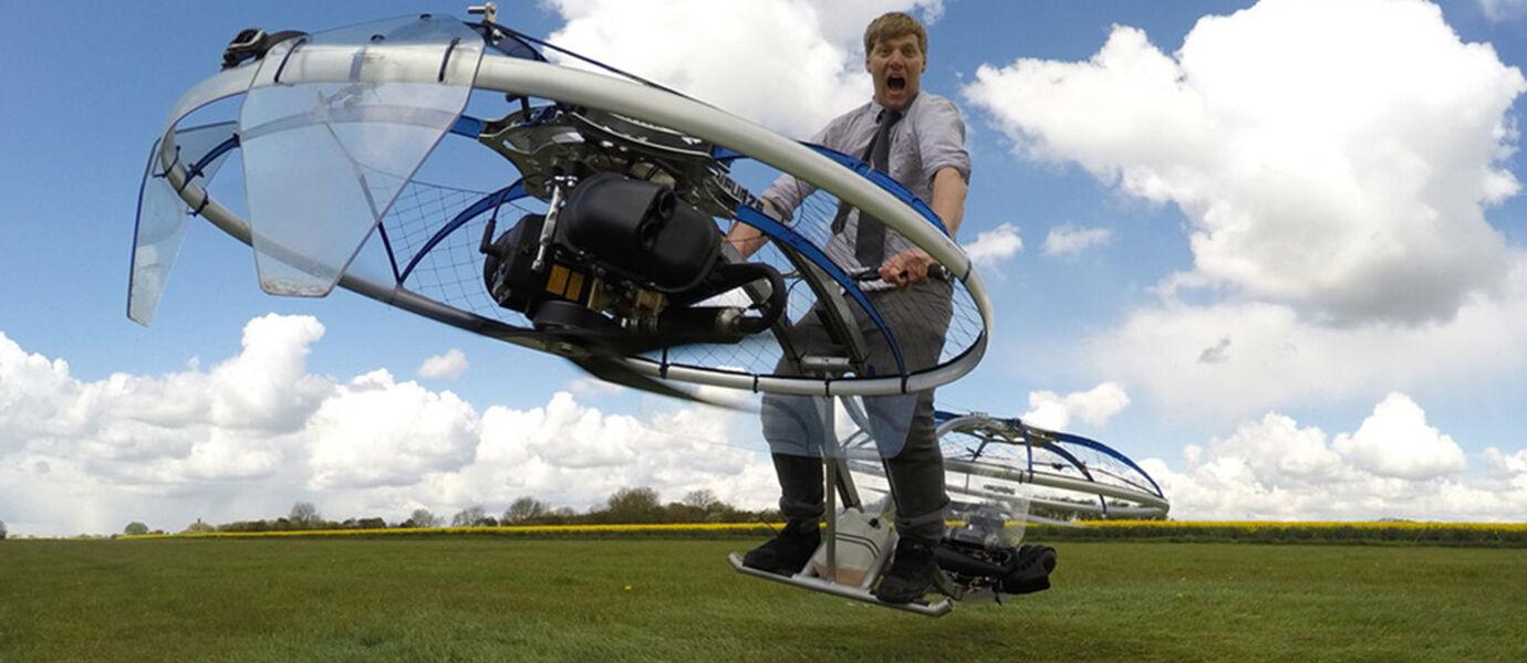 KEREN! YouTuber Ini Menciptakan Sendiri Sepeda yang Bisa Terbang